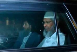 Zakir Naik selesai beri keterangan di Bukit Aman