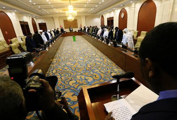 Kabinet baharu Sudan angkat sumpah