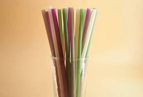 Nestle syarikat pertama di Malaysia guna straw kertas