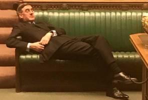 'Bosan' dengan bahas Brexit, pemimpin House of Commons baring di kerusi