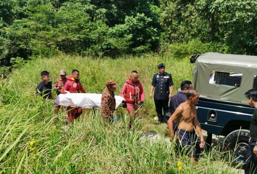 Mayat itu juga dipercayai warga asing memandang tidak terdapat atau tanda suntikan BCG pada kedua belah bahu mangsa. - Foto PDRM
