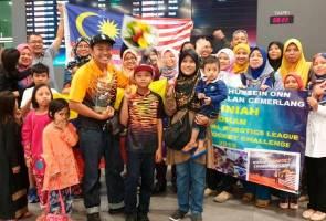 Tiada dana, pemenang pertandingan robotik dunia bawa makanan sendiri dari Malaysia