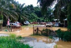 Mangsa banjir Kampung Misa di Parit semua lelaki