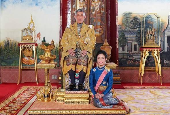 Raja Thailand bebaskan bekas peneman diraja dari penjara