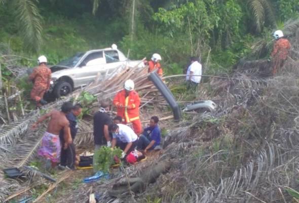 Seorang pelajar meninggal dunia, manakala ibu bapanya parah selepas terbabit dalam satu kemalangan jalan raya di Jalan Sandakan pada Jumaat.