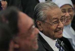 Tak salah beri jawatan kepada orang yang kerja keras menangkan parti - Tun M
