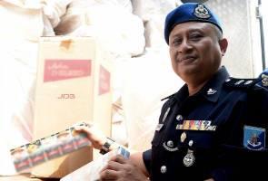 Polis Marin rampas 11,050 karton rokok putih, dua 'tonto' ditahan