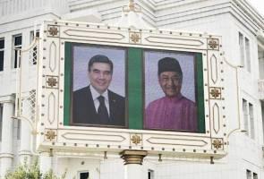 Tun Mahathir kembali ke Ashgabat selepas 25 tahun
