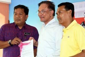 Dalam berpolitik, gunakan pengaruh untuk beri manfaat kepada rakyat -  Anwar