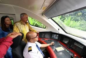 Sultan Nazrin rasai pengalaman naiki kelas perniagaan ETS2 ke Ipoh