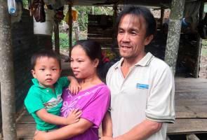 Keluarga daif tinggal dalam pondok terima bantuan kerajaan negeri