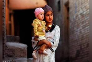 Isteri etnik Uighur dipaksa sekatil dengan pegawai kerajaan?