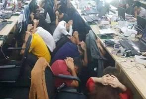 Pejabat 'scammer' warga China berbau busuk