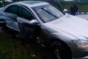 Ahli Parlimen Pasir Puteh cedera, kereta terbabas di lebuh raya PLUS