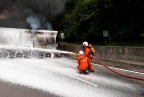 Lori tangki terbakar di lebuh raya PLUS, lalu lintas sesak lima kilometer