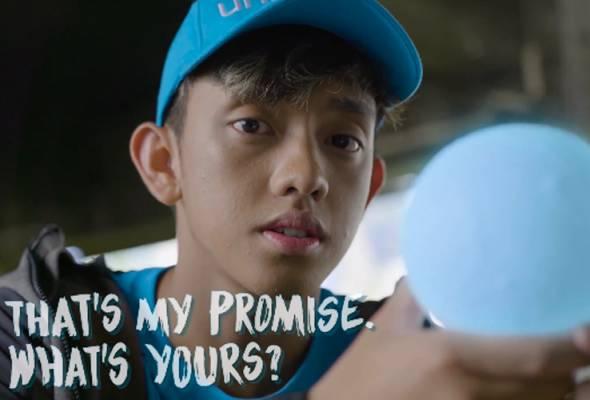 Sempena hari kanak-kanak sedunia, duta remaja Unicef, Ismail Izzani menyampaikan sajak nukilan Lily Jamaludin yang bertajuk Rain Drops.