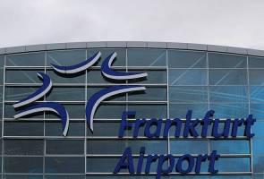 Air Namibia, Korean Air berlanggar di Frankfurt