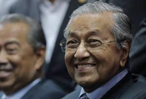 Muhyiddin dakwa kalau Bersatu tak keluar PH, Melayu akan dihancurkan DAP - Tun M