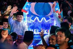 Azmin nafi hubungannya dengan Anwar tegang
