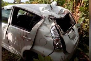 Tiga sahabat nyaris maut kereta terhumban dalam belukar