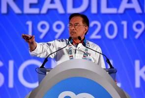 Akur kepada perwakilan, tingkatkan displin, kata Anwar kepada kumpulan Azmin