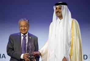 Tun Mahathir terima Anugerah Forum Doha