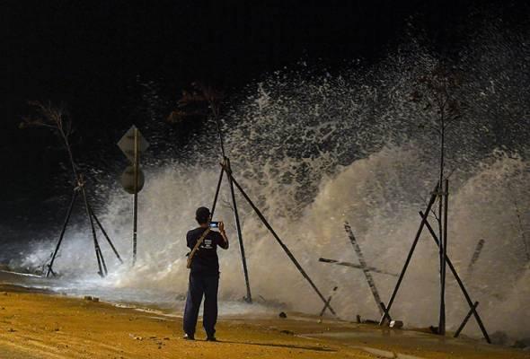 Fenomena air pasang besar: Orang ramai dinasihat jauhi 'Miami Beach'