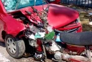 Tak nampak kemalangan di hadapan, penunggang motosikal maut rempuh kereta
