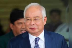 Najib tiba untuk bela diri, sejarah pertama bekas PM di kandang saksi