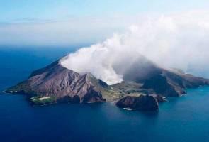 Gunung berapi New Zealand meletus, 20 dikhuatiri cedera