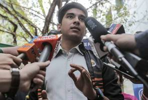 Pesta persendirian: Pegawai disiasat akan digantung tugas - Syed Saddiq