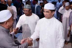 Tindakan terhadap Haziq: Azmin enggan campur urusan pihak berkuasa