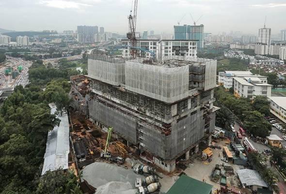 Keputusan siasatan kondominium runtuh siap dalam sebulan - Menteri Kerja Raya