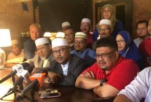 Dilabel pengkhianat, Idris Haron tetap bersama UMNO