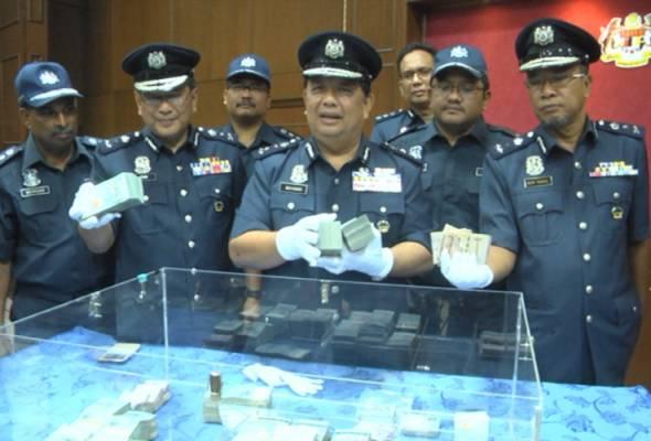 Kastam Perak patah cubaan tiga wanita seludup wang RM500,000