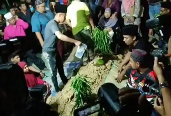 Achey mendedahkan rakan baiknya, Abam pernah bergurau mahu dia mengebumikannya apabila meninggal dunia. - Gambar Instagram @acheykintangkintung | Astro Awani
