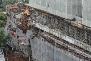 Sebahagian struktur kondominium di Taman Desa runtuh