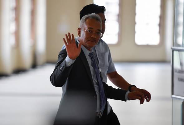 Othman (gambar) berkata Kementerian Pendidikan hanya mempunyai bajet pengurusan untuk pengoperasian serta penyelenggaraan sistem genset diesel dan sistem genset sudah lama dilaksanakan di Sarawak. - Gambar fail | Astro Awani