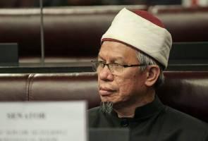 COVID-19: Semua aktiviti surau, masjid ditangguhkan - Dr Zulkifli