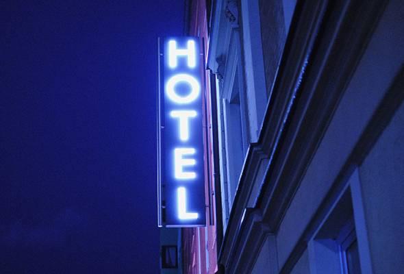 G City Club Hotel Sdn Bhd yang mengendalikan 180 bilik hotel di bawah nama dagang GTower Hotel di ibu negara menutup operasinya selepas sedekad disebabkan oleh penyusutan kadar penginapan. - Gambar hiasan | Astro Awani