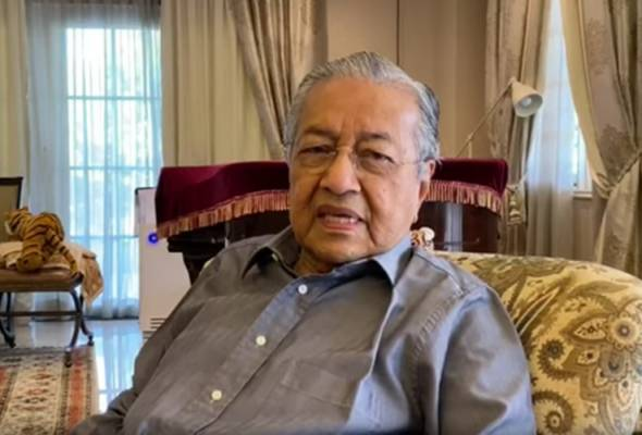 In the 188-second video, Dr Mahathir also advised people to perform activities that would lessen their boredom at home. - Photo YouTube | Astro Awani
