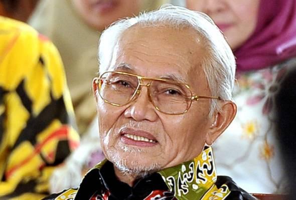 TYT Sarawak sumbang pek makanan kepada 750 petugas penguatkuasa