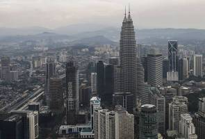 71583919915 PetronasTwinTowers - COVID-19: Special Cabinet committee formed to protect workers, economic market