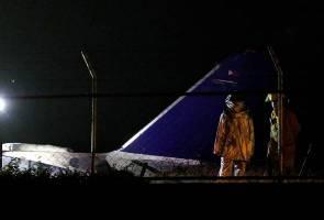 Pesawat Lionair bawa pasukan perubatan terbakar dan meletup di Filipina, 8 maut