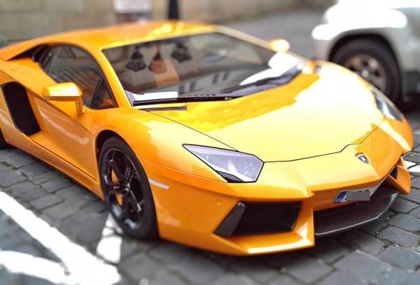 Pemandu Lamborghini salahkan COVID-19 punca memecut laju