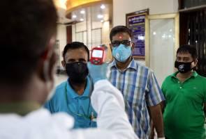 Pakistan, Bangladesh try to stop Friday prayers to avert coronavirus spike
