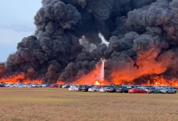 Setakat ini, punca kejadian yang mengakibatkan sekurang-kurangnya 15 ekar kawasan tersebut hangus dijilat api masih dalam siasatan. - Gambar Facebook | Astro Awani