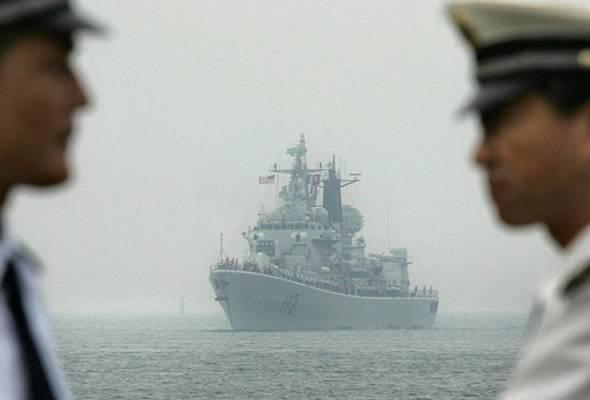 Tuntutan China di wilayah Laut China Selatan sebagai miliknya berdasarkan fakta sejarah aktiviti nelayan tradisional China yang menangkap ikan di Laut China Selatan. - Gambar fail | Astro Awani