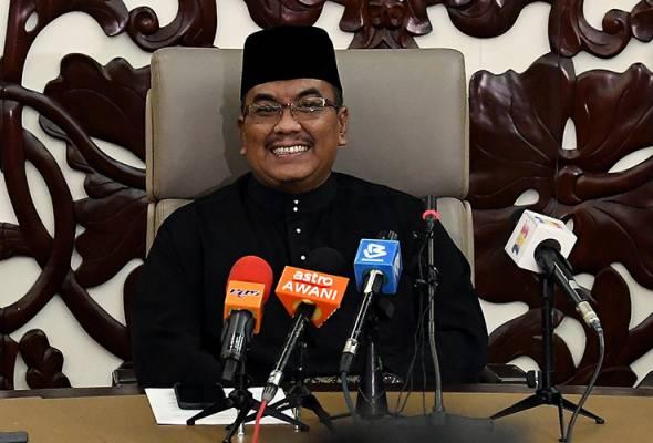 Muhammad Sanusi menafikan pentadbirannya melakukan rampasan kuasa, sebaliknya, perubahan berlaku disebabkan peralihan sokongan ADUN negeri Kedah. - Gambar fail   Astro Awani