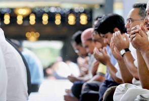 JAKIM needs a little more time to refine SOP of congregation prayers - PM